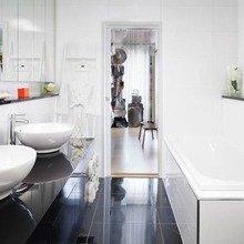 Фотография: Ванная в стиле Современный, Дом, Цвет в интерьере, Дома и квартиры, Белый – фото на InMyRoom.ru