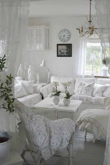 Фотография: Гостиная в стиле , Декор интерьера, Дом, Стиль жизни, Советы, Шебби-шик – фото на InMyRoom.ru