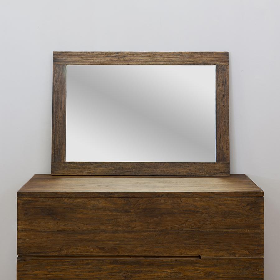 Зеркало Margutta с рамой из массива тика