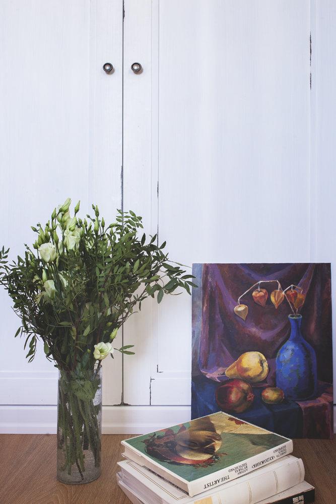 Фотография:  в стиле , Прованс и Кантри, Классический, Квартира, Россия, Flamant, Белый, Проект недели, Бежевый, Надя Зотова, Розовый, Голубой, KARTELL, перепланировка двушки, идеи для двухкомнатной квартиры, Московская область, Farrow & Ball, Enjoy Home, Elt, Vito, St. Lav, дизайн двухкомнатной квартиры, Новопеределкино – фото на InMyRoom.ru