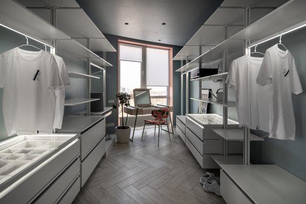 Фотография: Гардеробная в стиле Современный, Квартира, Проект недели, Монолитный дом, 2 комнаты, 60-90 метров, Lauri Brothers – фото на INMYROOM