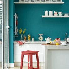 Фотография: Кухня и столовая в стиле Скандинавский, Декор интерьера, Дизайн интерьера, Цвет в интерьере, Краска – фото на InMyRoom.ru