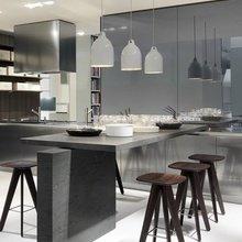 Фотография: Кухня и столовая в стиле Лофт, Современный, Декор интерьера, Дизайн интерьера, Цвет в интерьере, Серый – фото на InMyRoom.ru