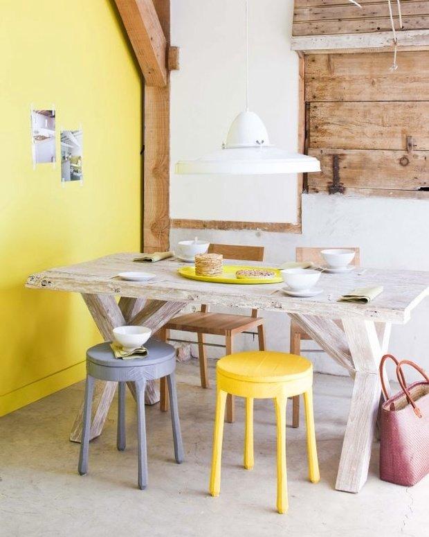 Фотография: Кухня и столовая в стиле Прованс и Кантри, Декор интерьера, Дизайн интерьера, Цвет в интерьере, Желтый – фото на InMyRoom.ru