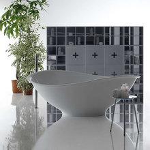 Фотография: Ванная в стиле Современный, Декор интерьера, Дом, Мебель и свет, Футуризм – фото на InMyRoom.ru