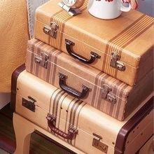 Фотография: Мебель и свет в стиле Кантри, Скандинавский, Спальня, Декор интерьера, Стол – фото на InMyRoom.ru