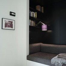 Фотография: Гостиная в стиле Минимализм, Декор интерьера, Дом, Интерьер комнат, Библиотека, Книги – фото на InMyRoom.ru