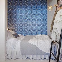 Фотография: Спальня в стиле , Скандинавский, Малогабаритная квартира, Квартира, Швеция, Цвет в интерьере, Дома и квартиры, Белый, Стена – фото на InMyRoom.ru