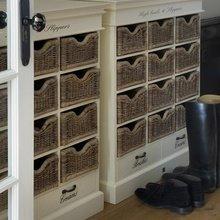 Фотография: Прихожая в стиле Кантри, Современный, Интерьер комнат, Системы хранения – фото на InMyRoom.ru