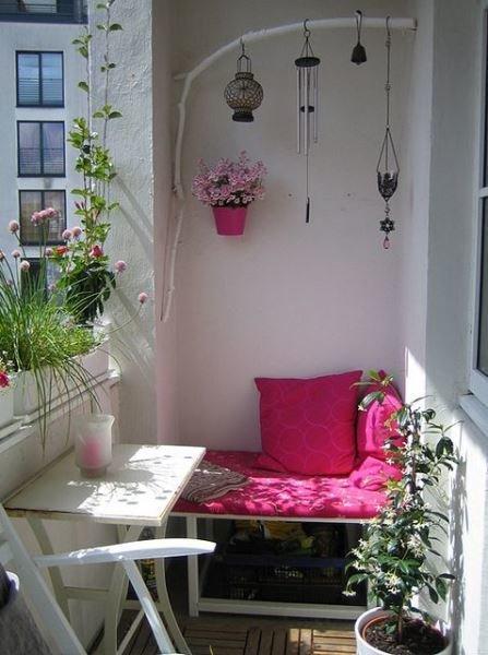 Фотография: Балкон в стиле Прованс и Кантри, Квартира, Декор, Советы, как обустроить открытый балкон, городской балкон, открытый балкон, идеи для открытого балкона – фото на InMyRoom.ru