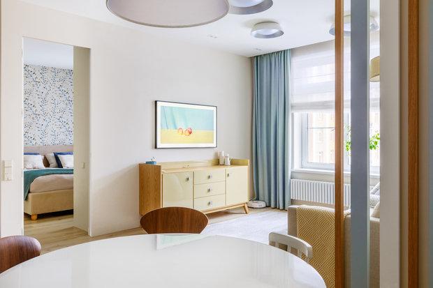 Фотография: Гостиная в стиле Современный, Квартира, Проект недели, Новая Москва, Samsung, 3 комнаты, 60-90 метров, the frame, интерьерный телевизор – фото на INMYROOM