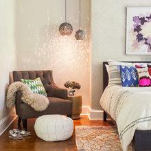 Фотография: Спальня в стиле Кантри, Эклектика, Декор интерьера, Мебель и свет, Советы, Белый, как оформить пустой угол, пустой угол в квартире – фото на InMyRoom.ru
