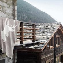 Фотография: Архитектура в стиле Кантри, Современный, Индустрия, Новости, IKEA, Посуда, Подушки, Свечи, Шале, Плед – фото на InMyRoom.ru