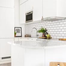 Фото из портфолио Позитивная, светлая и романтичная квартира, оформленная в классическом шведском стиле – фотографии дизайна интерьеров на InMyRoom.ru