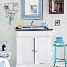 Фотография: Ванная в стиле Кантри, Декор интерьера, Дизайн интерьера, Цвет в интерьере, Белый – фото на InMyRoom.ru