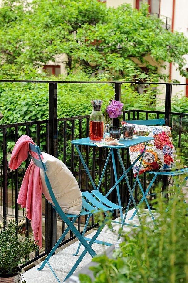 Фотография: Балкон в стиле Прованс и Кантри, Квартира, Декор, Советы, как обустроить маленький балкон, идеи для маленького балкона, декор балкона – фото на InMyRoom.ru
