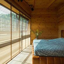 Фотография: Спальня в стиле Эко, Дом, Дома и квартиры, Минимализм, Большие окна – фото на InMyRoom.ru