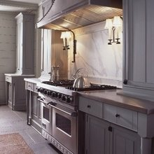 Фотография: Кухня и столовая в стиле Кантри, Декор интерьера, Дизайн интерьера, Цвет в интерьере, Серый – фото на InMyRoom.ru