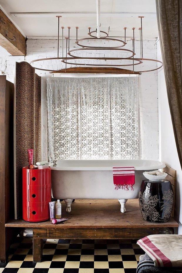 Фотография: Ванная в стиле Лофт, Эклектика, Декор интерьера, Квартира, Аксессуары, Мебель и свет – фото на InMyRoom.ru