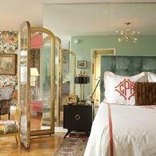 Фотография: Спальня в стиле Кантри, Малогабаритная квартира, Стиль жизни, Советы, Окна, Ширма, Перегородки – фото на InMyRoom.ru