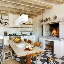Фотография: Кухня и столовая в стиле Кантри, Декор интерьера, Декор дома, Пол – фото на InMyRoom.ru
