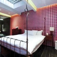Фотография: Спальня в стиле Современный, Эклектика, Дом, Цвет в интерьере, Дома и квартиры, Белый, Лондон – фото на InMyRoom.ru