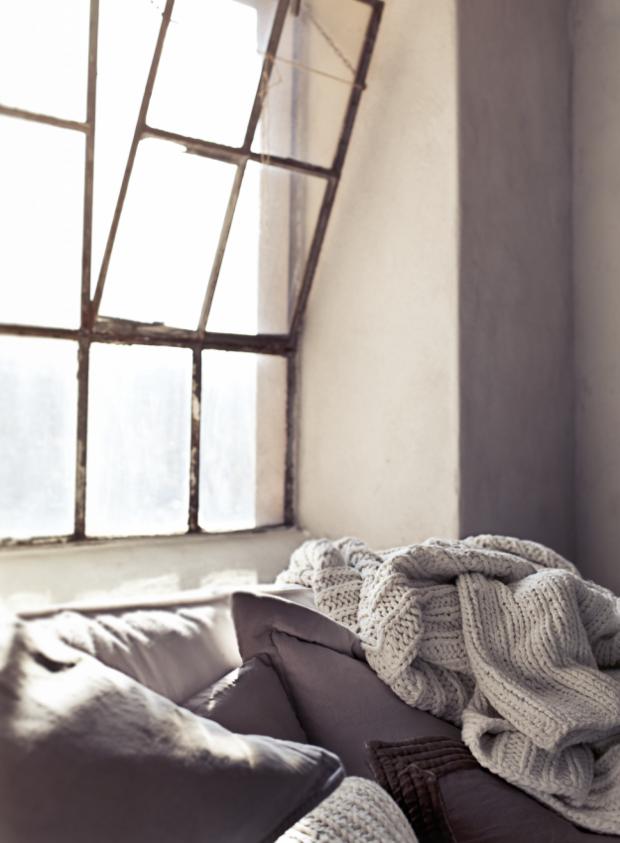 Фотография: Спальня в стиле Скандинавский, Декор интерьера, Текстиль – фото на InMyRoom.ru