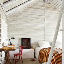 Фотография: Спальня в стиле Кантри, Дом, Португалия, Цвет в интерьере, Дома и квартиры, Стены – фото на InMyRoom.ru