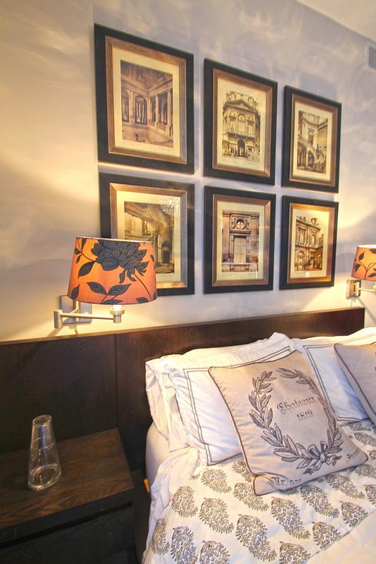 Фотография: Спальня в стиле Современный, Классический, Декор интерьера, Декор дома, Картины – фото на InMyRoom.ru
