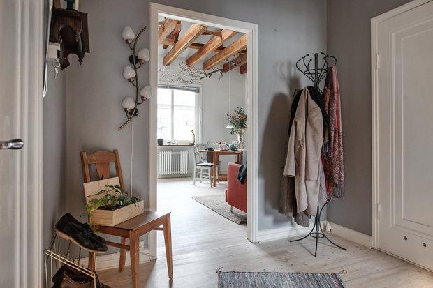 Фотография: Прихожая в стиле Скандинавский, Декор интерьера, Квартира, Швеция, Гетеборг, скандинавский интерьер, Отделка стен, интерьер с кирпичной кладкой, 2 комнаты, 60-90 метров – фото на INMYROOM