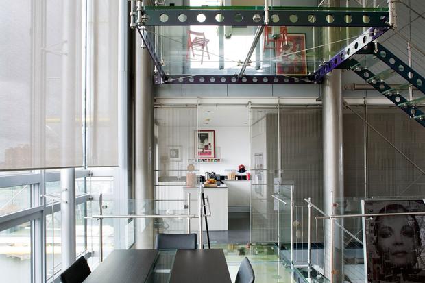 Фотография: Кухня и столовая в стиле Современный, Квартира, Дома и квартиры, Лондон, Панорамные окна – фото на InMyRoom.ru