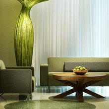 Фотография: Гостиная в стиле Современный, Минимализм, Декор интерьера, Мебель и свет, Эко – фото на InMyRoom.ru