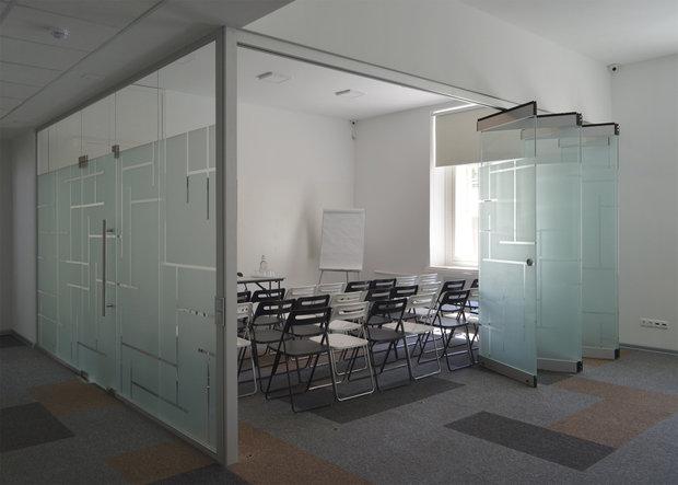 """Фото из портфолио """"Графика"""". Офис Savills в Москве. Реализованный проект  – фотографии дизайна интерьеров на INMYROOM"""
