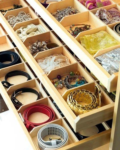 Фотография: Гостиная в стиле Восточный, Гардеробная, Мебель и свет, Советы, хранение сезонных вещей – фото на InMyRoom.ru