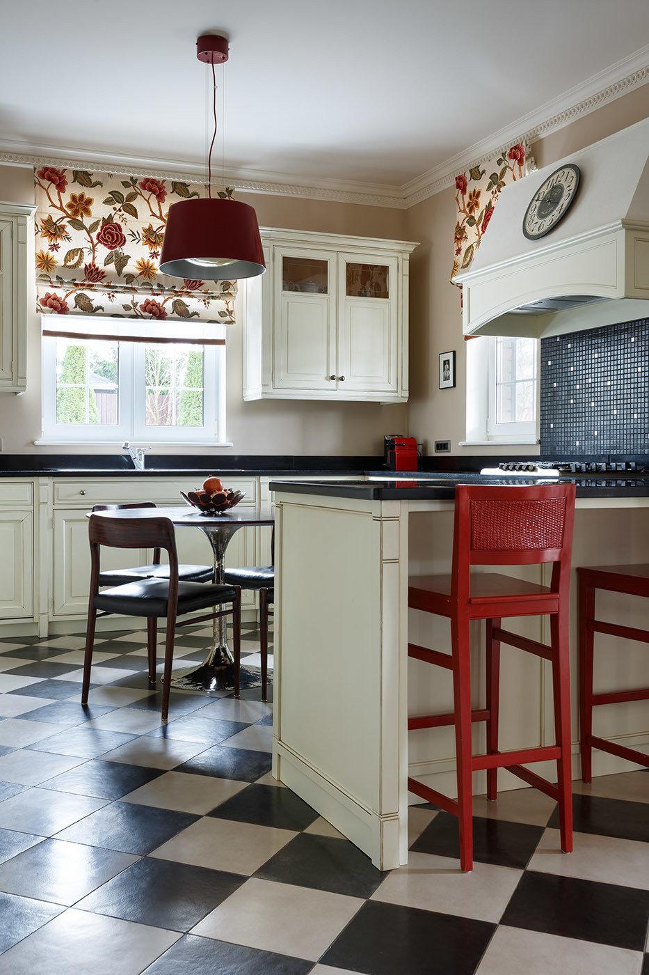 Фотография: Кухня и столовая в стиле Классический, Современный, Дом, Проект недели, 4 и больше, Более 90 метров, Оксана Бутман – фото на InMyRoom.ru