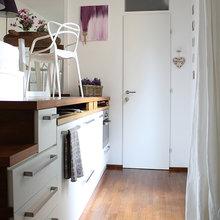Фотография: Мебель и свет в стиле Минимализм, Советы, как обустроить однушку, Сильвана Читтерио, кухня в однушке, гардероб в однушке, как организовать систему хранения в однокомнатной квартире, многофункциональный подиум – фото на InMyRoom.ru