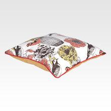 Подушка Цветочные мотивы