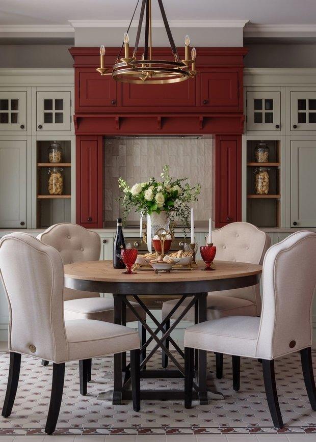 Фотография: Кухня и столовая в стиле Классический, Декор интерьера, модная палитра в интерьере, осенний декор интерьера, квартира в пастельных тонах – фото на INMYROOM