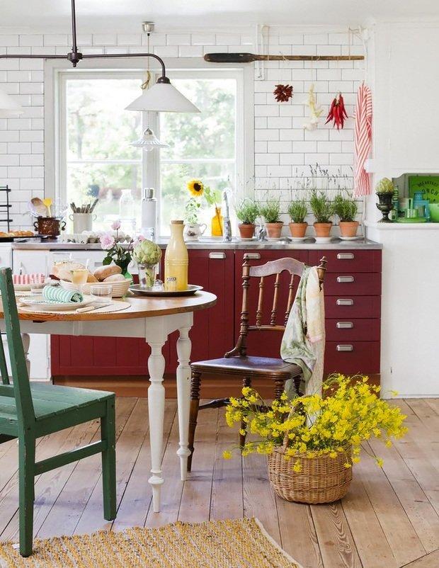 Фотография: Кухня и столовая в стиле Лофт, Прованс и Кантри, Интерьер комнат – фото на InMyRoom.ru