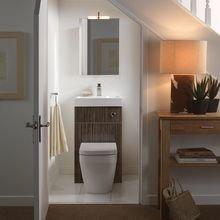 Фотография: Ванная в стиле Современный, Советы, Гид, Дом и дача, ниша под лестницей – фото на InMyRoom.ru