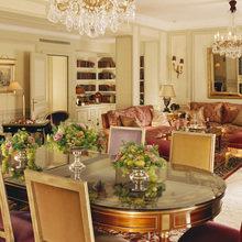 Фотография: Кухня и столовая в стиле Классический, Дома и квартиры, Городские места, Отель – фото на InMyRoom.ru