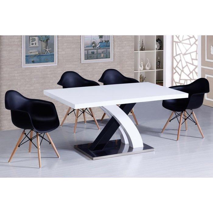 Большой прямоугольный обеденный стол раздвижной с глянцевой поверхностью