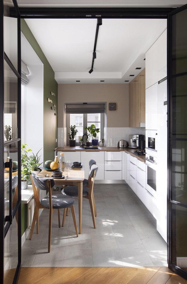 Фотография: Кухня и столовая в стиле Современный, Советы, Подоконник, как задействовать подоконник – фото на INMYROOM