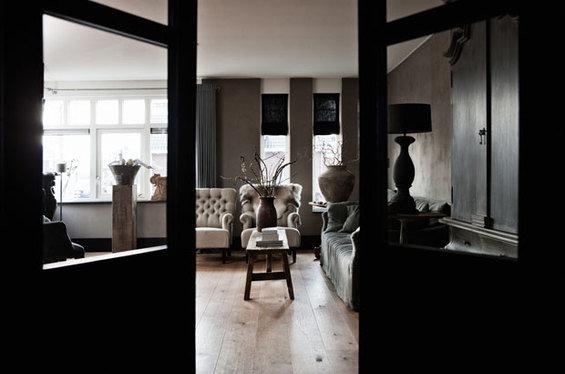 Фотография: Гостиная в стиле Лофт, Дом, Цвет в интерьере, Дома и квартиры, Серый – фото на InMyRoom.ru
