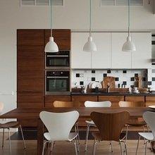 Фотография: Кухня и столовая в стиле Минимализм, Квартира, Дома и квартиры, Большие окна – фото на InMyRoom.ru