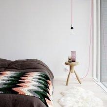 Фотография: Спальня в стиле Скандинавский, Декор интерьера, Швеция, Декор дома, Цвет в интерьере, Белый – фото на InMyRoom.ru