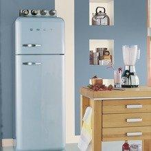 Фотография: Кухня и столовая в стиле Лофт, Декор интерьера, Дизайн интерьера, Цвет в интерьере, Советы, Dulux, Синий – фото на InMyRoom.ru