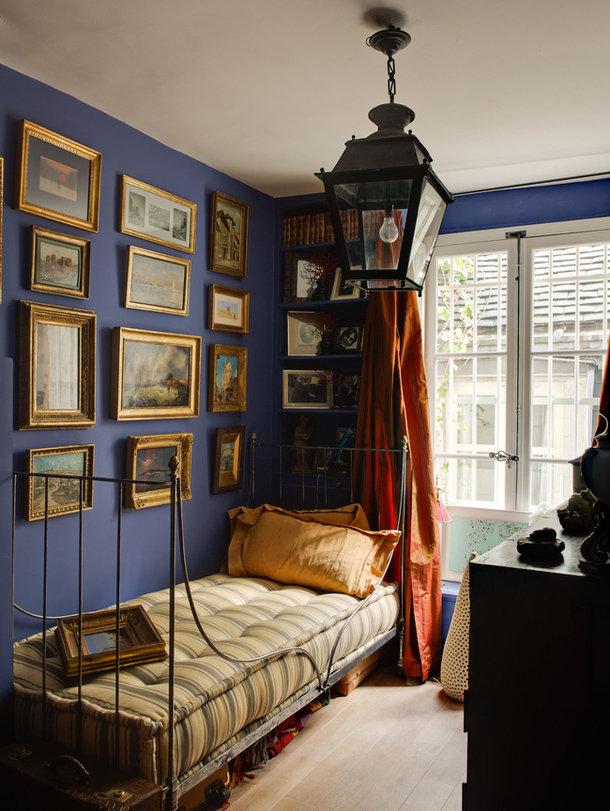 Фотография: Спальня в стиле Прованс и Кантри, Декор интерьера, Антиквариат, Праздник, Новый Год – фото на InMyRoom.ru