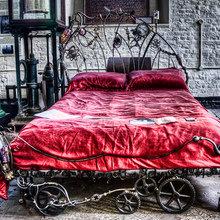 Фотография: Спальня в стиле Кантри, Классический, Современный, Эклектика, Декор интерьера, Малогабаритная квартира, Мебель и свет, Готический – фото на InMyRoom.ru