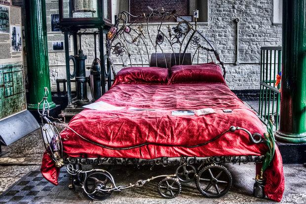 Фотография: Спальня в стиле Прованс и Кантри, Классический, Современный, Эклектика, Декор интерьера, Малогабаритная квартира, Мебель и свет, Готический – фото на InMyRoom.ru